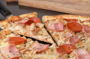 PIZZA CARNIVORA_PIZZAS Muerde la Pasta